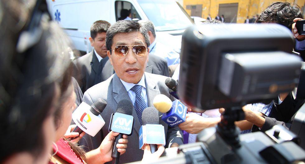 El congresista Moisés Mamani podría afrontar acciones legales en su contra si no entrega el video con PPK. (Foto: Congreso)