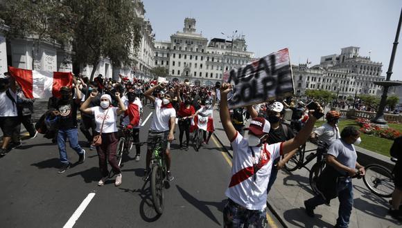 Las protestas contra el gobierno de Manuel Merino dejaron como saldo al menos dos muertos y más de 100 heridos. (Foto: GEC)