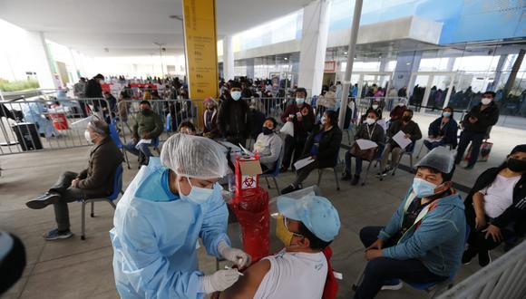 Tercera Vacunatón inicia este fin de semana para mayores de 40 años.