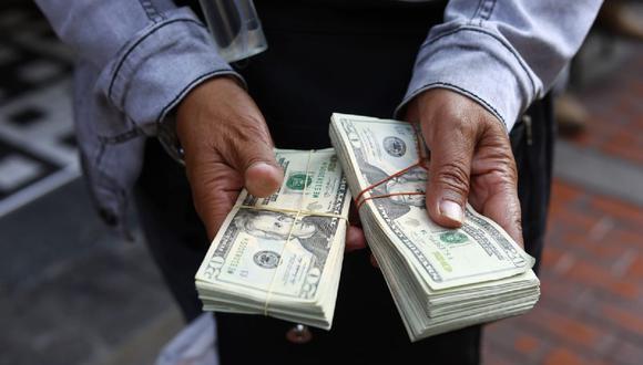 El dólar acumula una ganancia de 3.51% en el mercado cambiario peruano. (Foto: Jessica Vicente / @photo.gec)