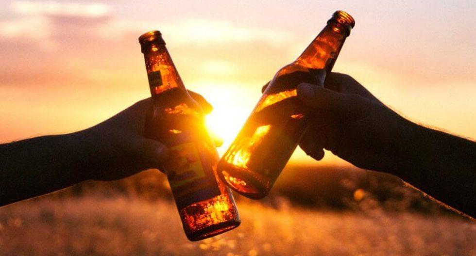 FOTO 7 | 7. Bebes (o fumas) más que antes. Después de un día duro de trabajo, lo único que deseas es llegar a casa, abrir una botella de cerveza y beber mientras ves televisión. No tiene nada de malo tomarse una cerveza o dos después del trabajo, pero si sientes que éste es un método de escape, presta atención.
