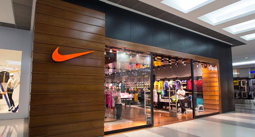 Foto 5   Nike abrió una tienda de gran formato en Mall del Sur, siendo este su local número 13, sobre un espacio de más de 120 m2 de superficie comercial. El nuevo local comparte pasillos con las tiendas por departamento Saga Falabella, Paris y Ripley, y gestiona todas las líneas de producto de la enseña en el país.