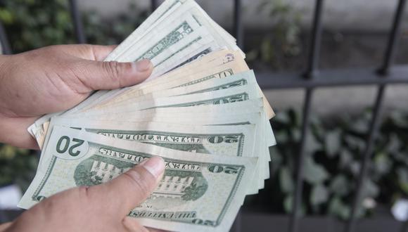 En el mercado paralelo o informal, el tipo de cambio se cotiza a S/ 3.557 la venta. (Foto: GEC)