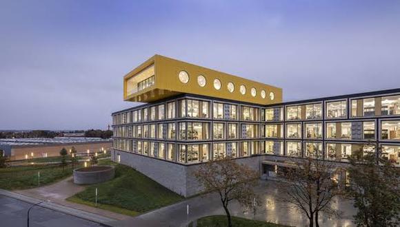El nuevo complejo de Lego, de 54,000 metros cuadrados, albergará a 2,000 empleados cuando se haya completado en el 2021.