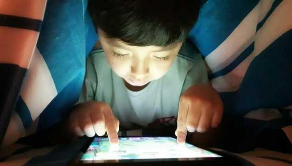 El Ministerio de Salud indica que ahora los menores pasan más horas delante de la computadora o el celular y usan las consolas con mayor frecuencia que antes. (Foto: Minsa)