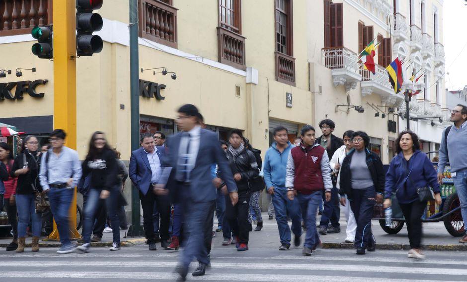 Limeños empiezan a evaluar candidatos para comicios de octubre.