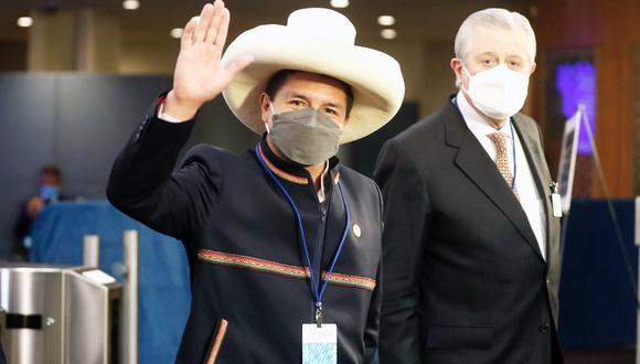 Pedro Castillo llegó al Perú esta mañana luego de participar en diversas actividades en el extranjero. (Foto: Presidencia)