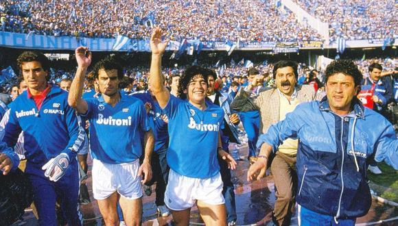 Maradona en Napoli. El astro argentino lo llevó a lo más alto de Europa. (Foto: archivo)