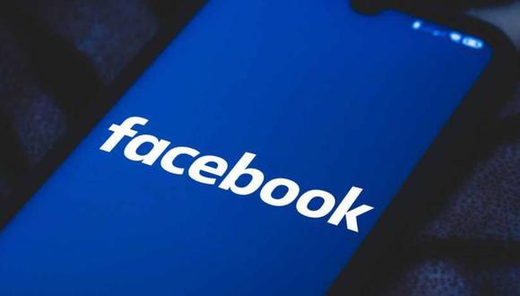Facebook está bajo un amplio escrutinio por parte de legisladores y reguladores globales sobre sus prácticas de moderación de contenido y los daños vinculados a sus plataformas, y los documentos internos filtrados por una denunciante fueron la base de una audiencia en el Senado de Estados Unidos la semana pasada. (Foto: Kirill KUDRYAVTSEV / AFP)