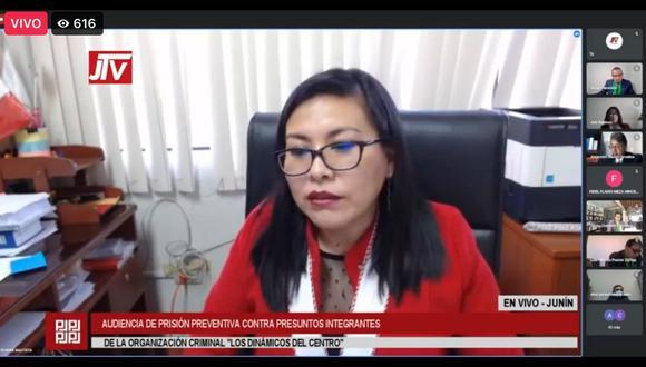 Fiscal provincial Bonnie Bautista sustentó pedido de prisión preventiva contra 20 investigados. Audiencia continuará hoy. (Foto: Captura).