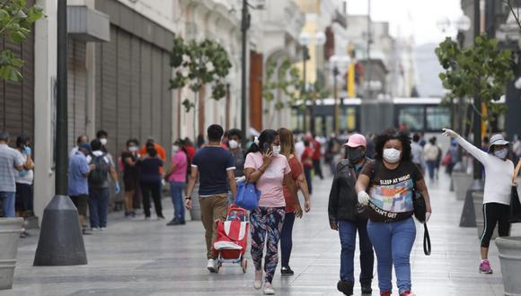 Hay medidas que no debería esperar el cambio de gobierno, sino adoptarse de inmediato para facilitar la generación del empleo. (Fotos Diana Marcelo / GEC)
