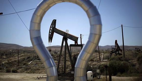 Tanto el crudo Brent como el West Texas Intermediate (WTI) de Estados Unidos se encaminan a terminar noviembre con un alza de más de 20%. (Foto: Reuters)
