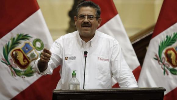 Manuel Merino, presidente del Congreso, rechazó que haya tratado de amenazar o condicionar el voto de investidura a Pedro Cateriano. (Foto: Congreso)