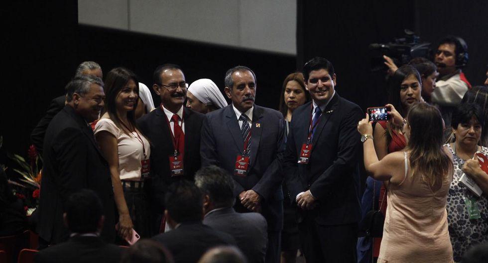 Los congresistas electos de Acción Popular posan para una fotografía. (Foto: Leandro Britto / GEC)