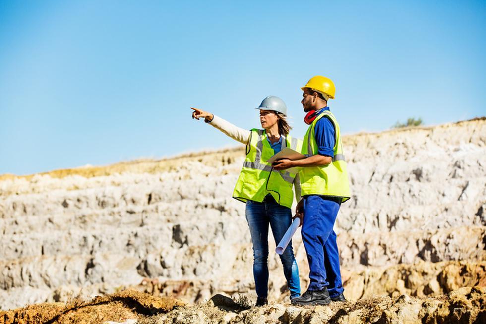 Con un gran conocimiento técnico y duro de la minería, pero con un plus valioso de competencias y habilidades blandas que le permitan tener una profunda sensibilidad por temas relevantes para industria minera como son la sostenibilidad, el cuidado del medio ambiente, la seguridad y el desarrollo de las comunidades. (Foto: iStock)