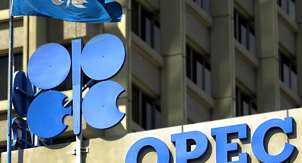 Tanto la OPEP como Rusia dijeron que la magnitud de la crisis requiere la participación de todos los productores. (Foto: AFP)
