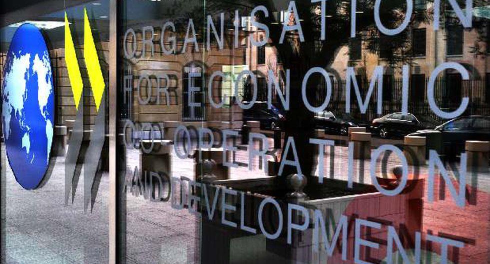 En su informe global, la OCDE advirtió que la economía global está creciendo a su ritmo más lento desde la crisis financiera, ya que los gobiernos le están dejando a los bancos centrales la tarea de reactivar la inversión.
