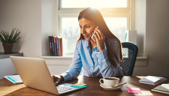 La mayoría de los encuestados admiten que les resulta difícil mantener el equilibrio entre el trabajo y la vida privada, o que no tienen el equipo o el espacio adecuados en casa. (Foto: Shutterstock)