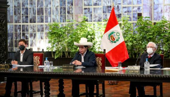 Pedro Castillo y Guido Bellido encabezaron esta mañana la primera sesión el gabinete. (Foto: PCM)