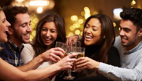 Consumo de bebidas en casa ahora se enfoca en grupos pequeños y categorías de grado alcohólico no muy elevado.