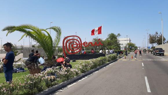 Más de 100 peruanos fueron trasladados al interior del país a través del puesto fronterizo Santa Rosa. (Foto: Ernesto Suárez)