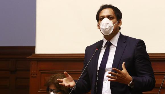 """Luis Valdez consideró que el Poder Ejecutivo no tiene por qué """"incomodarse"""" con las mociones de interpelación a ministros. (Foto: Congreso)"""
