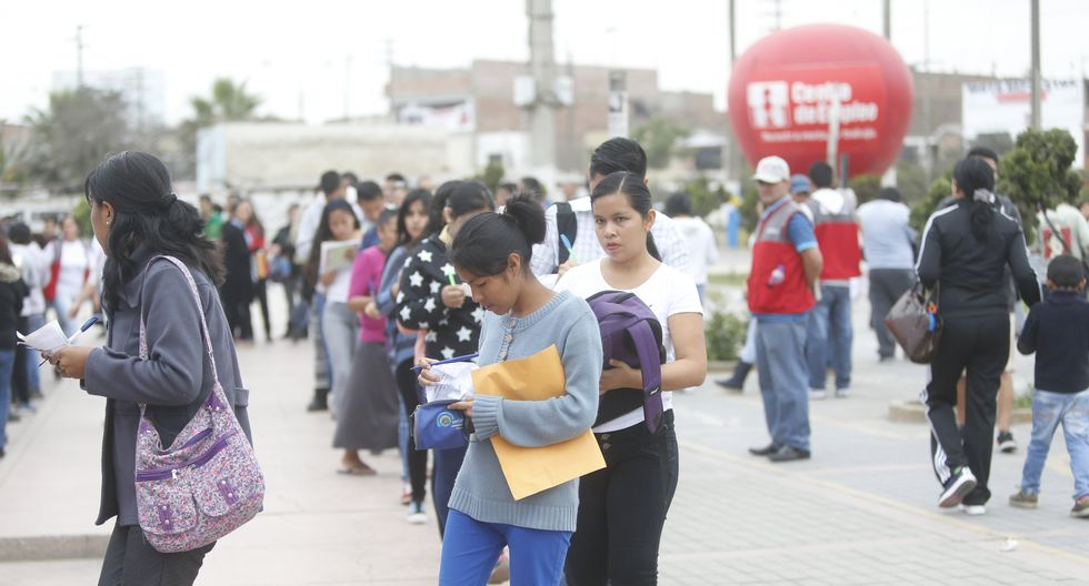 FOTO 3   Mercado laboral. La propuesta principal aquí es establecer un sueldo mínimo diferenciado por región. (Foto: GEC)