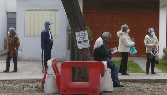Adultos mayores deben cumplir medidas de confinamiento durante el estado de emergencia por la pandemia del COVID-19. (Foto: MARIO ZAPATA / GEC)