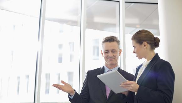 FOTO 3   FAVORECE VARIOS CAMINOS PARA CRECER.Las necesidades de tus empleados van evolucionando, por lo que puedes ayudarlos a crecer e inspirar lealtad en ellos ofreciéndoles oportunidades de avanzar, hechas a la medida de sus habilidades y sus met
