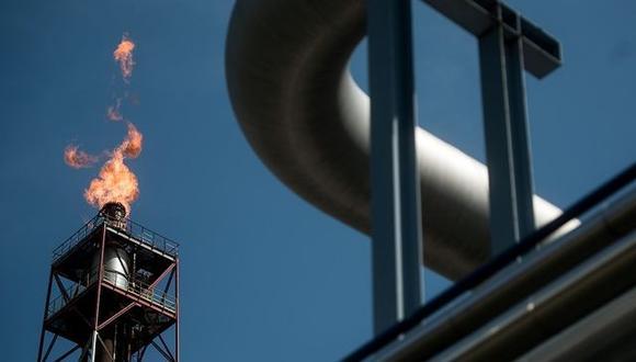 La reducción del suministro de gas en Europa aumentará la demanda de petróleo como alternativa en un momento en que la producción mundial de crudo está limitada, dijo Currie el miércoles durante una entrevista con Bloomberg Television. (Foto: Bloomberg)