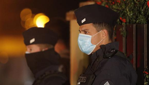 Toque de queda en ocho ciudades de Francia para frenar al coronavirus . (AP Photo/Michel Euler)