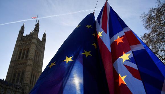 Según los profesionales del sector, abandonar la UE sin un acuerdo supondría el restablecimiento de los controles aduaneros en las fronteras. (Foto: Reuters)