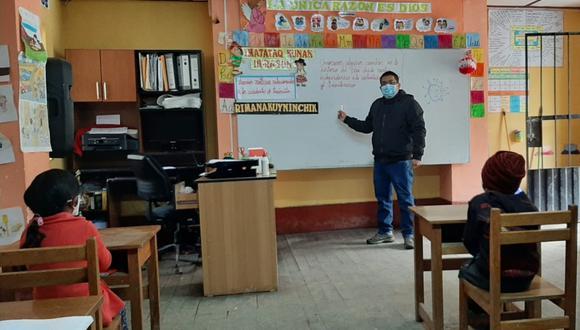 Regreso a clases semipresenciales se da previa coordinación entre la institución educativa y los padres de familia. Foto: Minedu