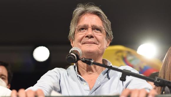 Guillermo Lasso pronuncia un discurso tras su triunfo en las elecciones en Ecuador. (Foto: EFE)