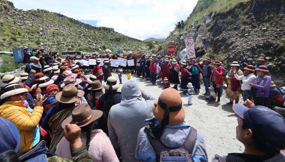 Los comuneros aseguran que la minera se comprometió a ejecutar una obra por año en Velille y no ha cumplido. (Foto: GEC)