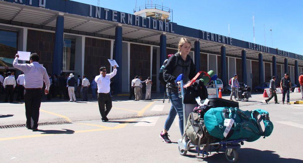 De acuerdo al MTC, el aeropuerto Alejandro Velasco Astete ya se encuentra saturado. (Foto: Archivo)
