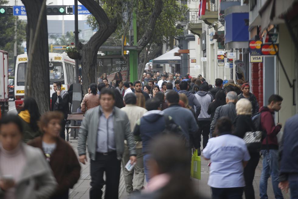 Mirando con lupa. Mayor aprobación de Vizcarra está en el segmento A/B y en Lima, con 78% y 77%, respectivamente.
