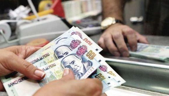 Propuesta para congelar deudas del sistema bancario pondría en riesgo dinero de los ahorristas, advierte la SBS.  (Foto: Andina)