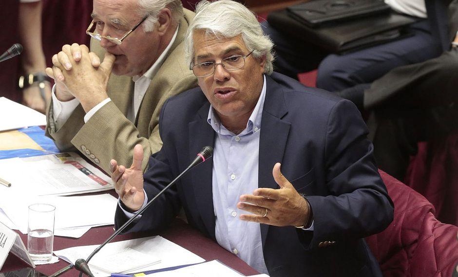 El congresista Gino Costa reiteró su respaldo a la decisión que tomó Daniel Salaverry al permitir la creación de nuevas bancadas. (Foto: GEC)