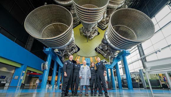 De izquierda a derecha la tripulación de la misión Inspiration4: Chris Sembroski, Sian Proctor, Hayley Arceneaux y Jared Isaacman.  (Foto: John Kraus Inspiration4/AFP)