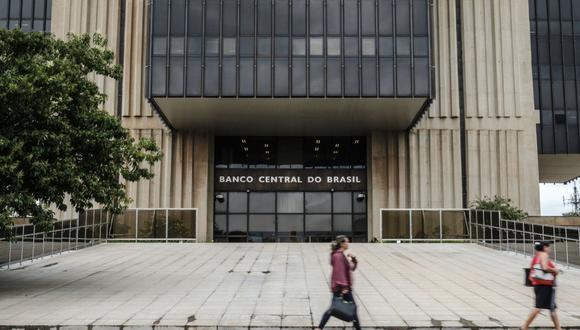 En Brasil, la divisa se fortaleció después del sorpresivo aumento de tasas de 75 puntos del banco central en marzo.