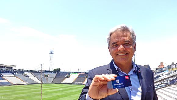 Gabriel Rego, country manager de Assist Card Perú, comenta los detalles del auspicio con el club Alianza Lima (Foto: Difusión).