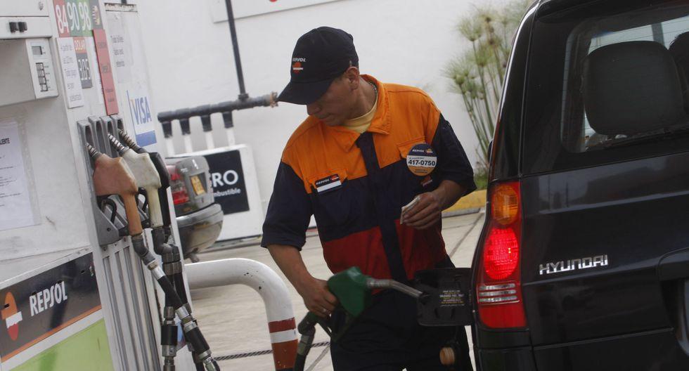 El diésel B5S50 UV, de uso vehicular, aún debe reducir su precio, afirma Opecu. (Foto: GEC)