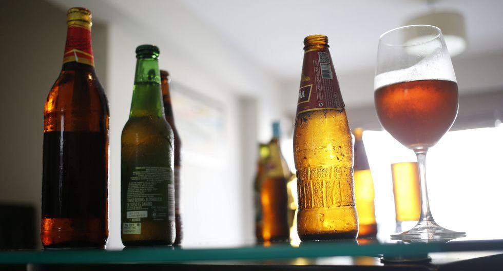 FOTO 2 | El ingrediente con mayor presencia en una cerveza (95%) es el agua, por lo que su consumo moderado permite a las personas mantenerse hidratadas. (Foto: Difusión)