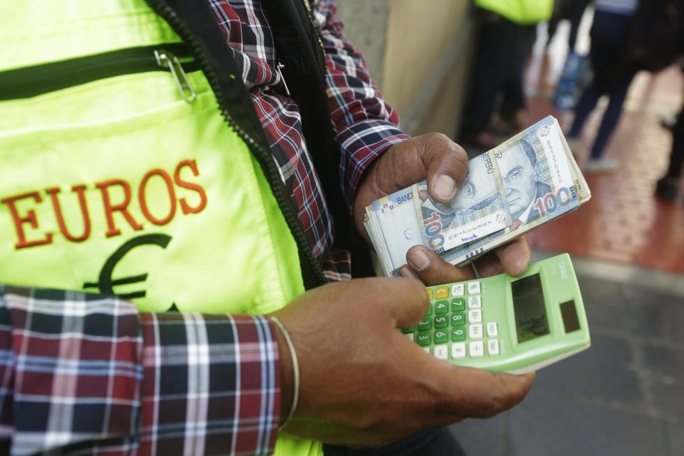 Ante la prohibición de los cambistas en las calles, conozca en esta galería alternativas para cambiar dinero. (Foto: GEC)