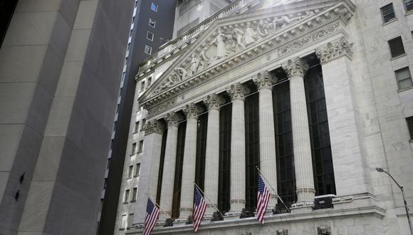 La bolsa de valores de Nueva York (NYSE) opera a la baja el lunes. (Foto: AP)