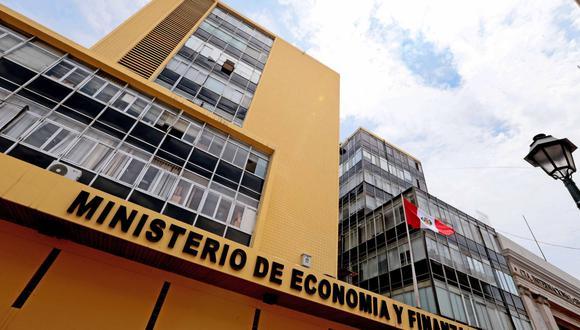 En los considerandos de la norma se indica que se requiere con carácter de urgente tomar medidas para mantener el ritmo de ejecución de la inversión pública, con el fin de no afectar el crecimiento económico estimado en el Marco Macroeconómico Multianual 2018-2021 (Foto: Andina).