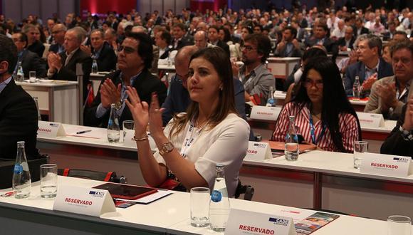 La gobernadora regional de Arequipa, Yamila Osorio, indicó que vivimos tiempos muy complicados para el proceso de descentralización. (Foto: CADE 2017)