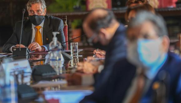 """El documento del Consejo de Estado indica que es """"ajeno a una democracia promover rupturas constitucionales para acceder al poder"""". (Foto: Presidencia de la República)"""