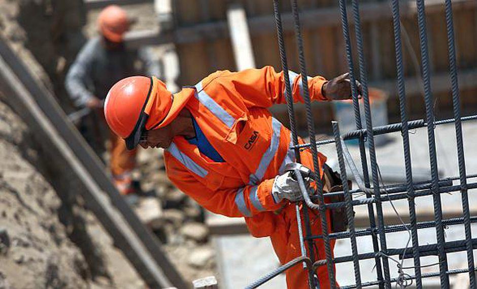 El sector construcción continuará beneficiándose de la sólida cartera de proyectos privados y públicos.